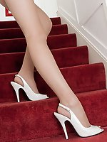 Kiana playing on the stairs in her natural pantyhose!